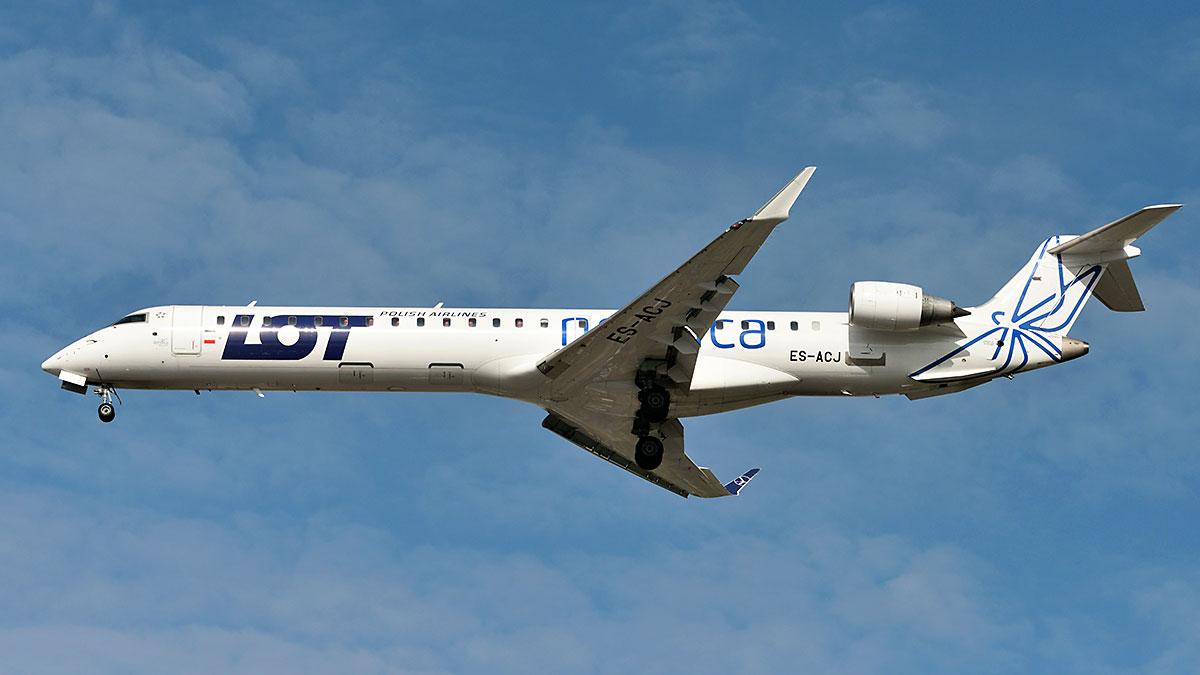 LOT planuje jesienią więcej lotów do Paryża, Pragi, Lwowa i Wilna
