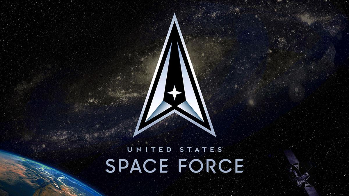 """""""Zawsze wyżej"""" - Siły Kosmiczne USA z oficjalnym logo i mottem"""