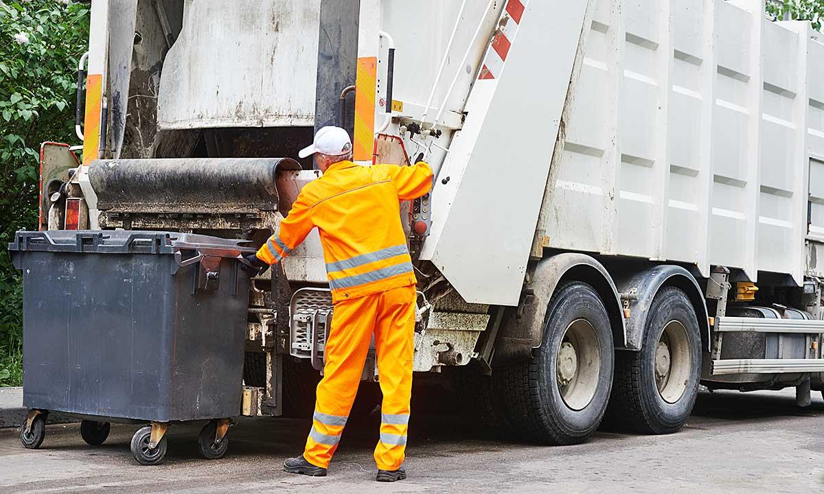 Poranny wywóz śmieci