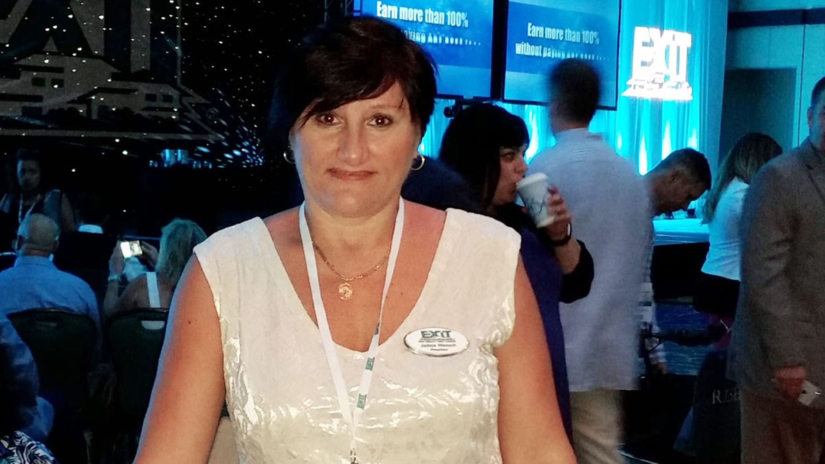 Jadzia Waloch - Polish Speaking Realtor in Florida, Flagler County