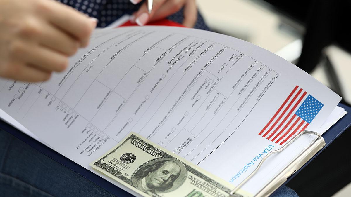 Nowe opłaty urzędowe za sprawy imigracyjne od 2. października 2020