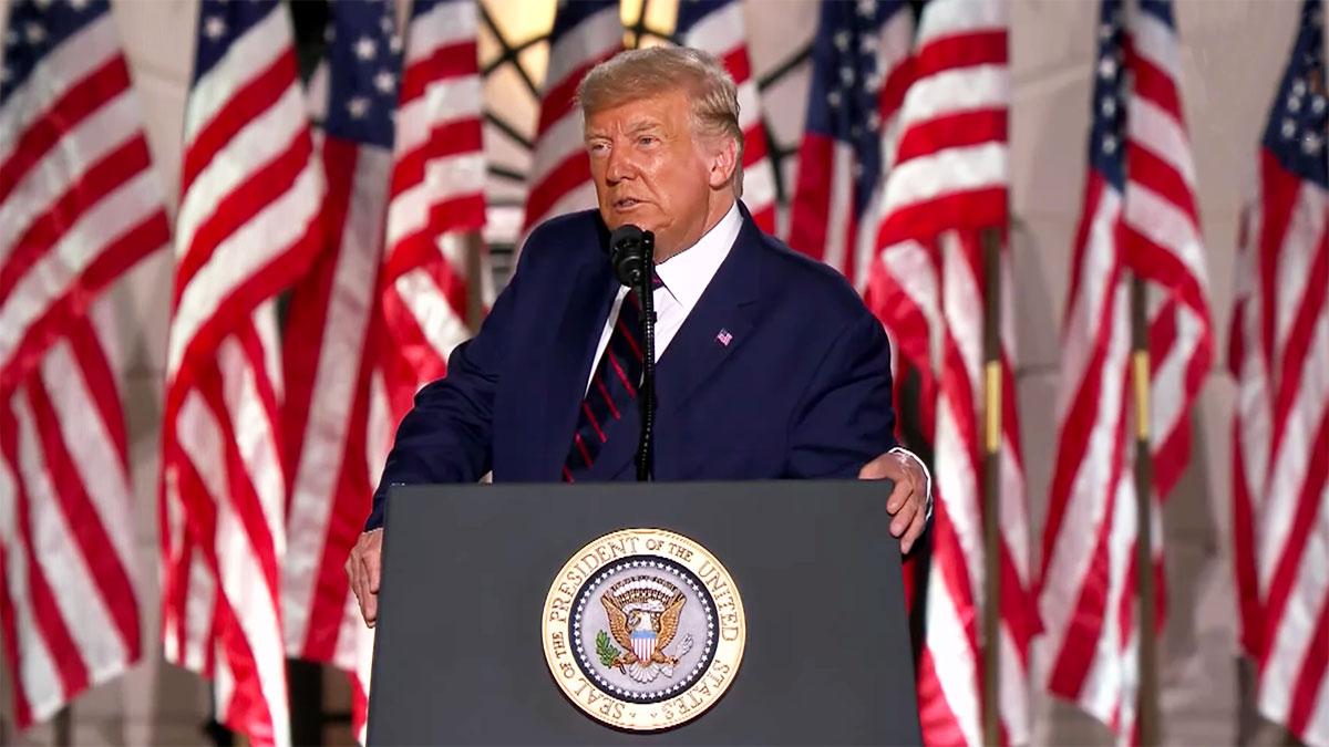 Trump z pompą przyjął nominację prezydencką od Republikanów