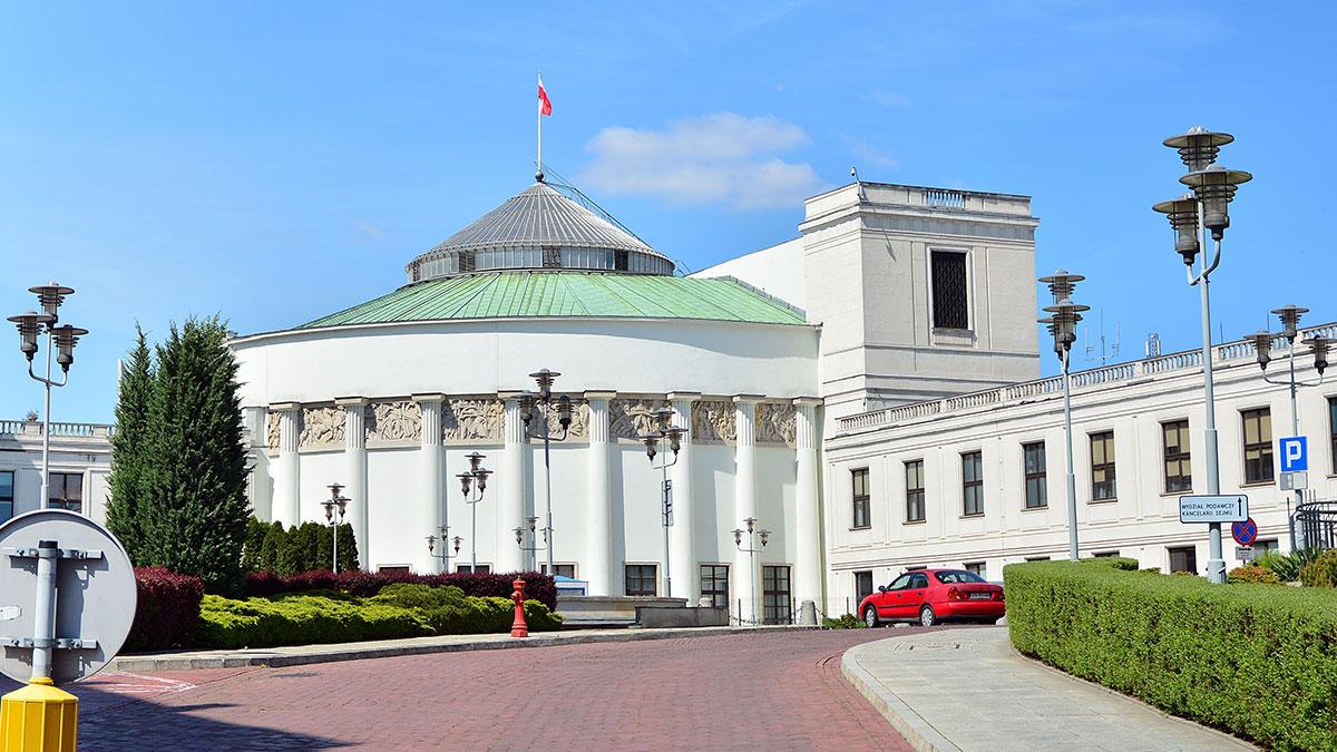 Iluzoryczna kontrola polskiego parlamentu nad polskim rządem