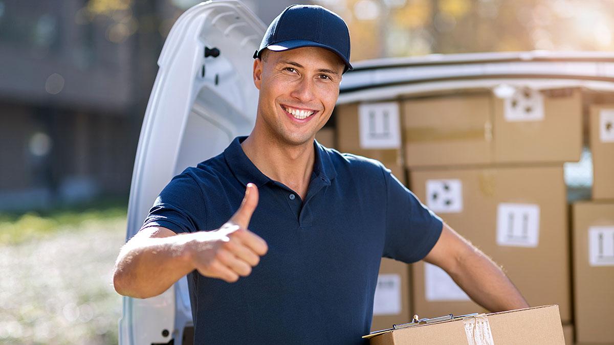 Wysyłka paczek z USA do Polski i innych krajów Europy z Dompak. Wysyłamy też mienie, kontenery i samochody