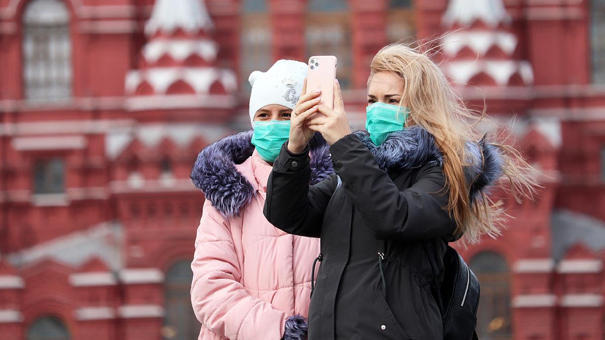 Putin nakłada obowiązek noszenia masek i inne ograniczenia w całej Rosji