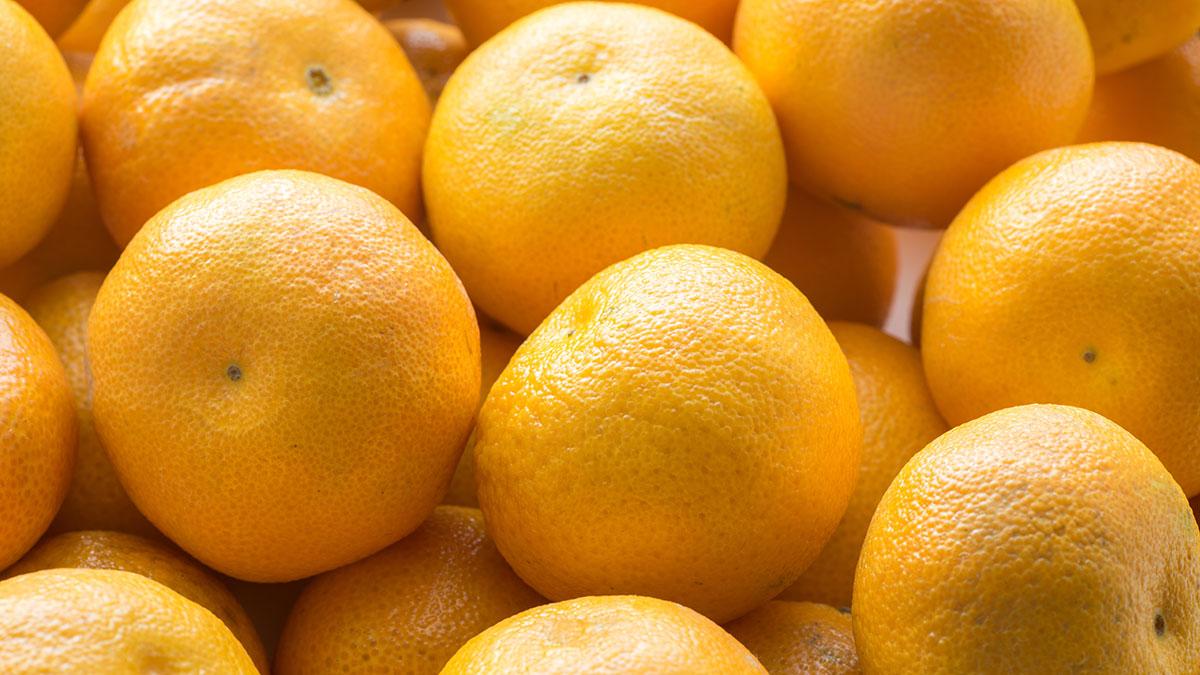 Zjedli 30 kg pomarańczy. Nie chcieli płacić za nadbagaż