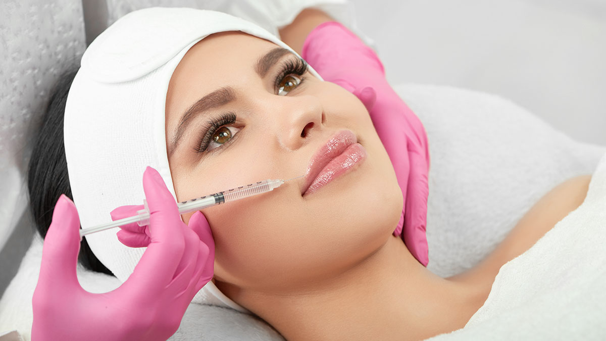 Trwałe powiększenie ust - wypełnianie ust kwasem hialuronowym