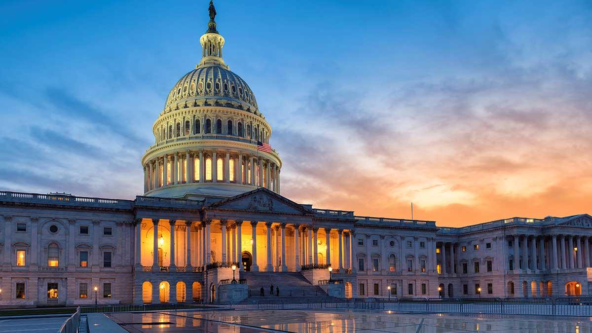 Senat USA zatwierdził pakiet stymulacyjny związany z pandemią COVID, warty 1,9 bln dolarów