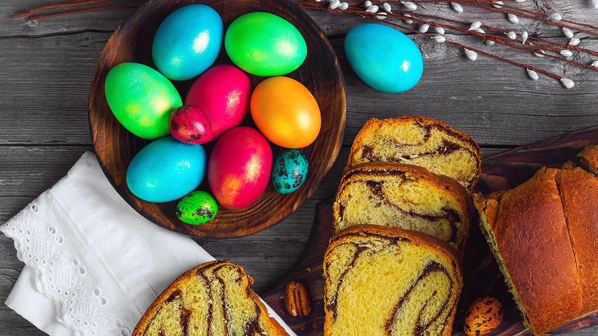 Zakupy na Wielkanoc w USA. W internecie i w sklepie. Polskie kiełbasy, pierogi, ciasta, chleby...