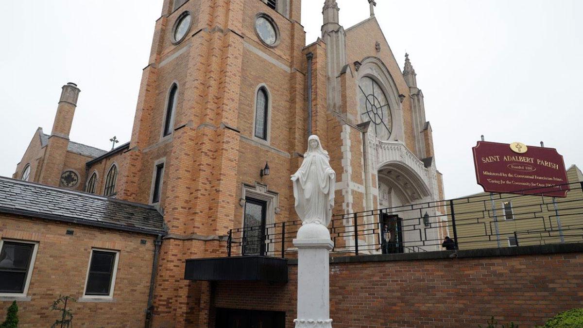 Koronacja figury Matki Bożej Niepokalanej w parafii Św. Wojciecha w Elmhurst, NY