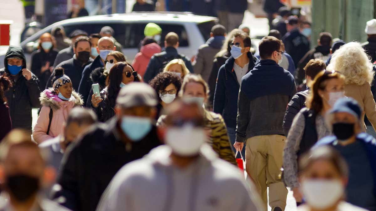Połowa dorosłych w mieście Nowy Jork już w pełni się zaszczepiła