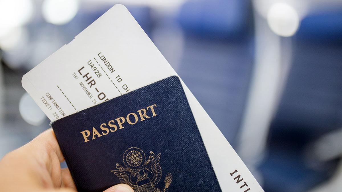 Którzy obywatele Stanów Zjednoczonych mogą wrócić do USA z paszportami, które straciły ważność