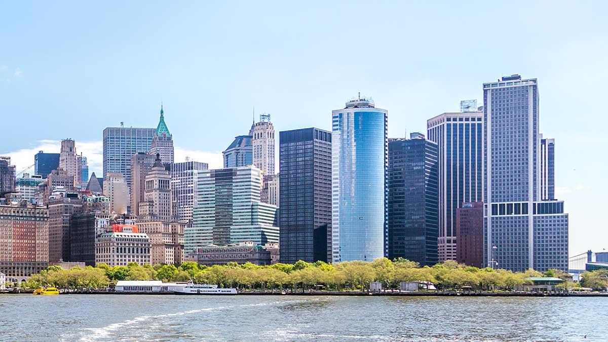 Polski adwokat prawa pracy w Nowym Jorku, Robert Wisniewski zaprasza do swojej nowej lokalizacji
