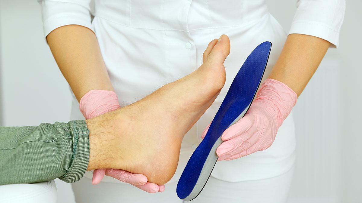 Lekarz, specjalista chorób nóg i chirurg stóp, leczy dzieci i dorosłych w Nowym Jorku - Arkadiusz Jachimowicz, DPM