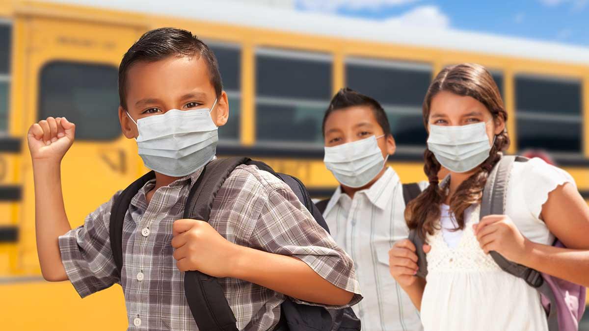 Okręgi szkolne w stanie Nowy Jork mogą zwolnić uczniów z noszenia masek na zewnątrz