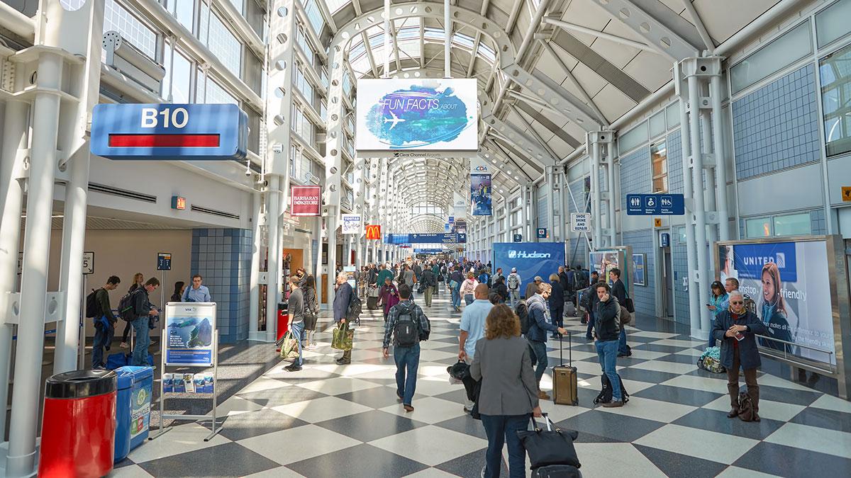 UE zaleca zniesienie ograniczeń na podróże dotyczące mieszkańców USA i 13 innych krajów
