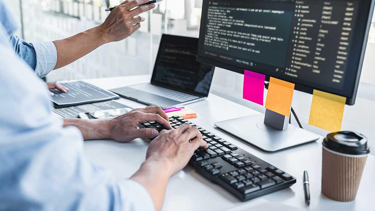 80% pracowników chce łączyć pracę zdalną z pracą w biurze