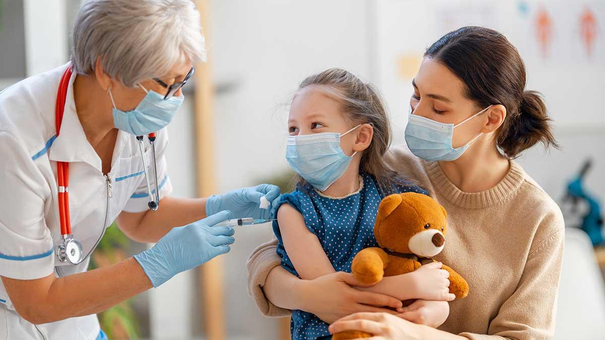 Wpływ pandemii COVID-19 na szczepienie dzieci