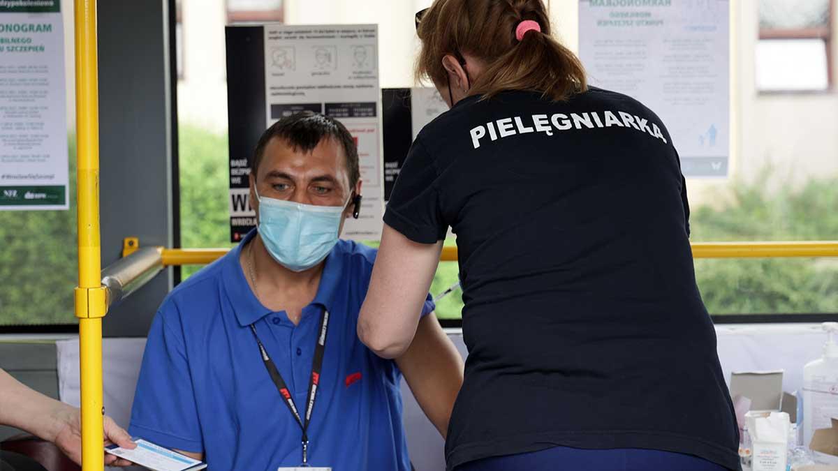 Zaszczep się i pomóż zatrzymać ponowny wzrost zakażeń, IV falę pandemii