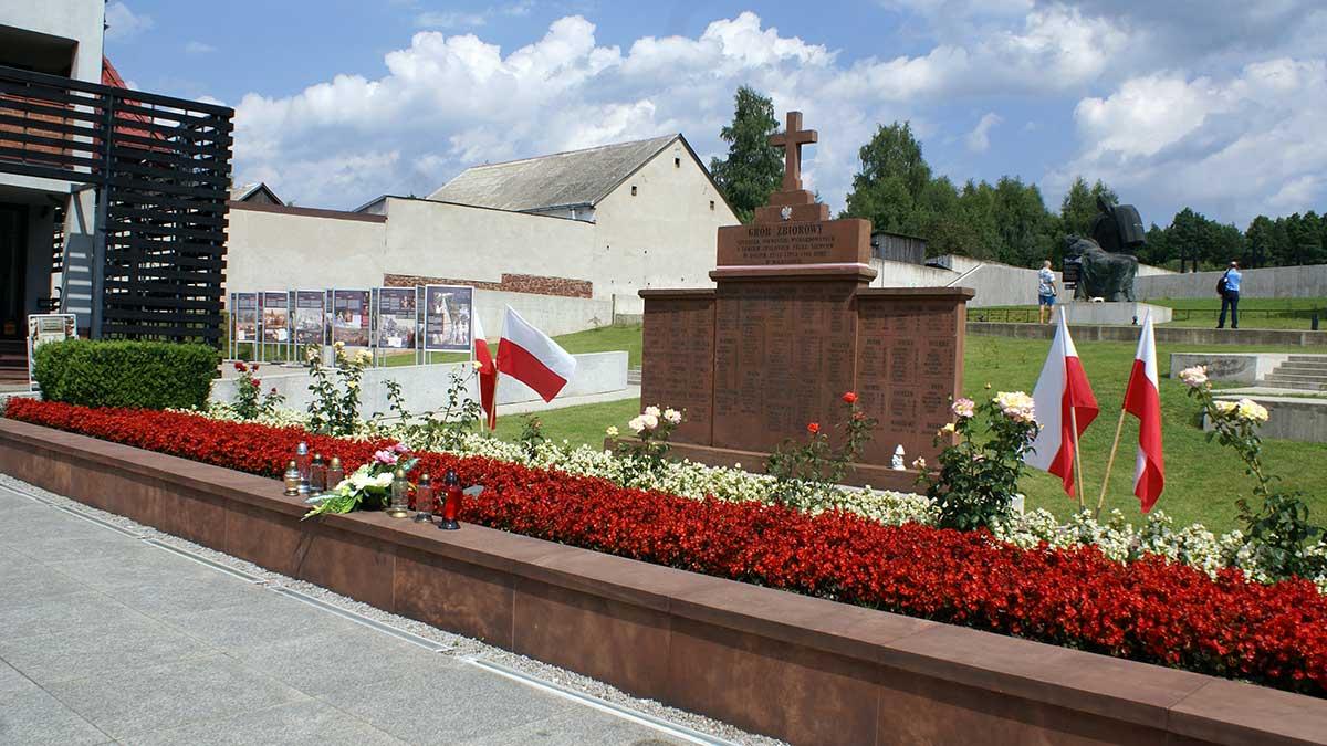 Mauzoleum w Michniowie - w dniu 15 sierpnia