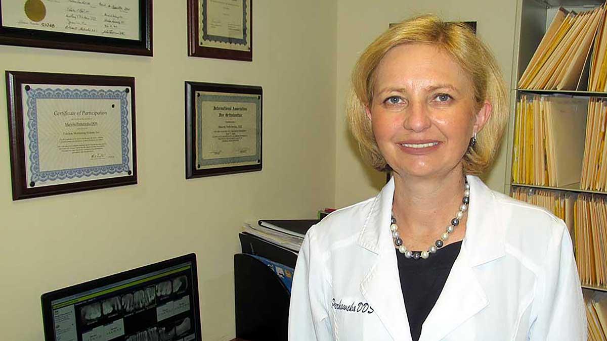 Lekarz dentysta Mariola Perkowska z Clifton, NJ