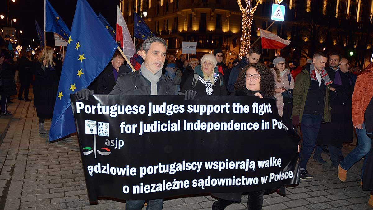 Rybka albo akwarium? Polska polityka międzynarodowa i jej konsekwencje