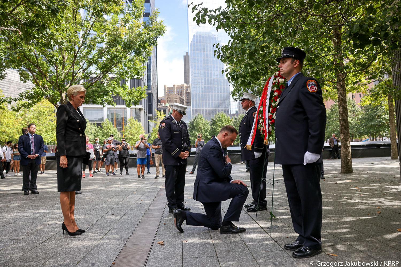 Para Prezydencka oddaje cześć ofiarom ataków terrorystycznych 9/11