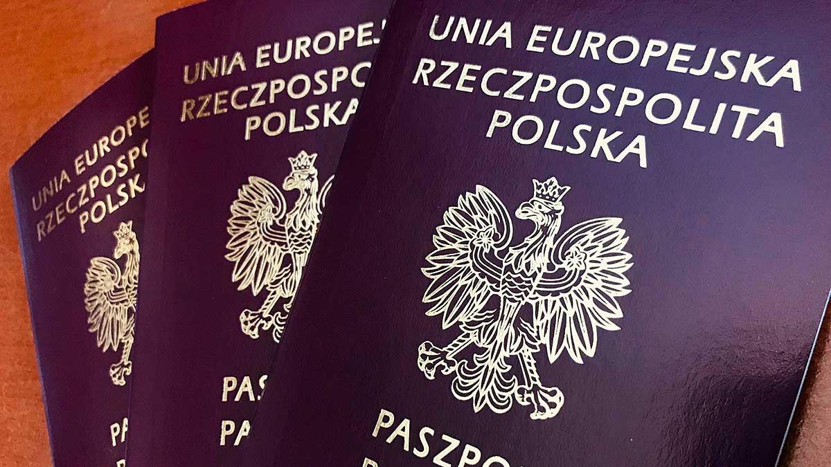 Zapisy na dyżur konsularny w Minneapolis na wydanie paszportu polskiego